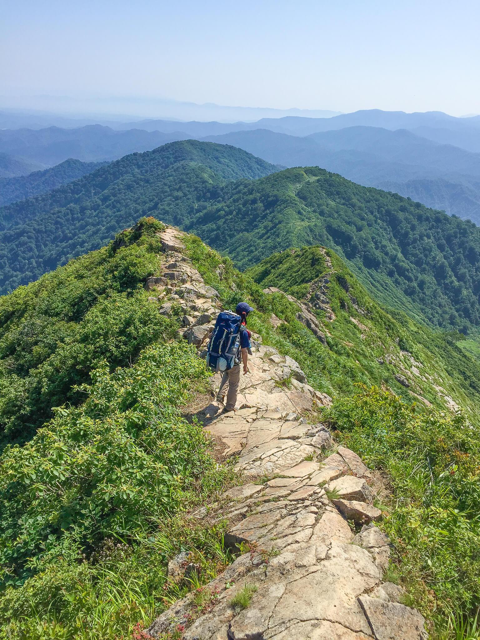 飯豊山・剣ヶ峰の岩稜