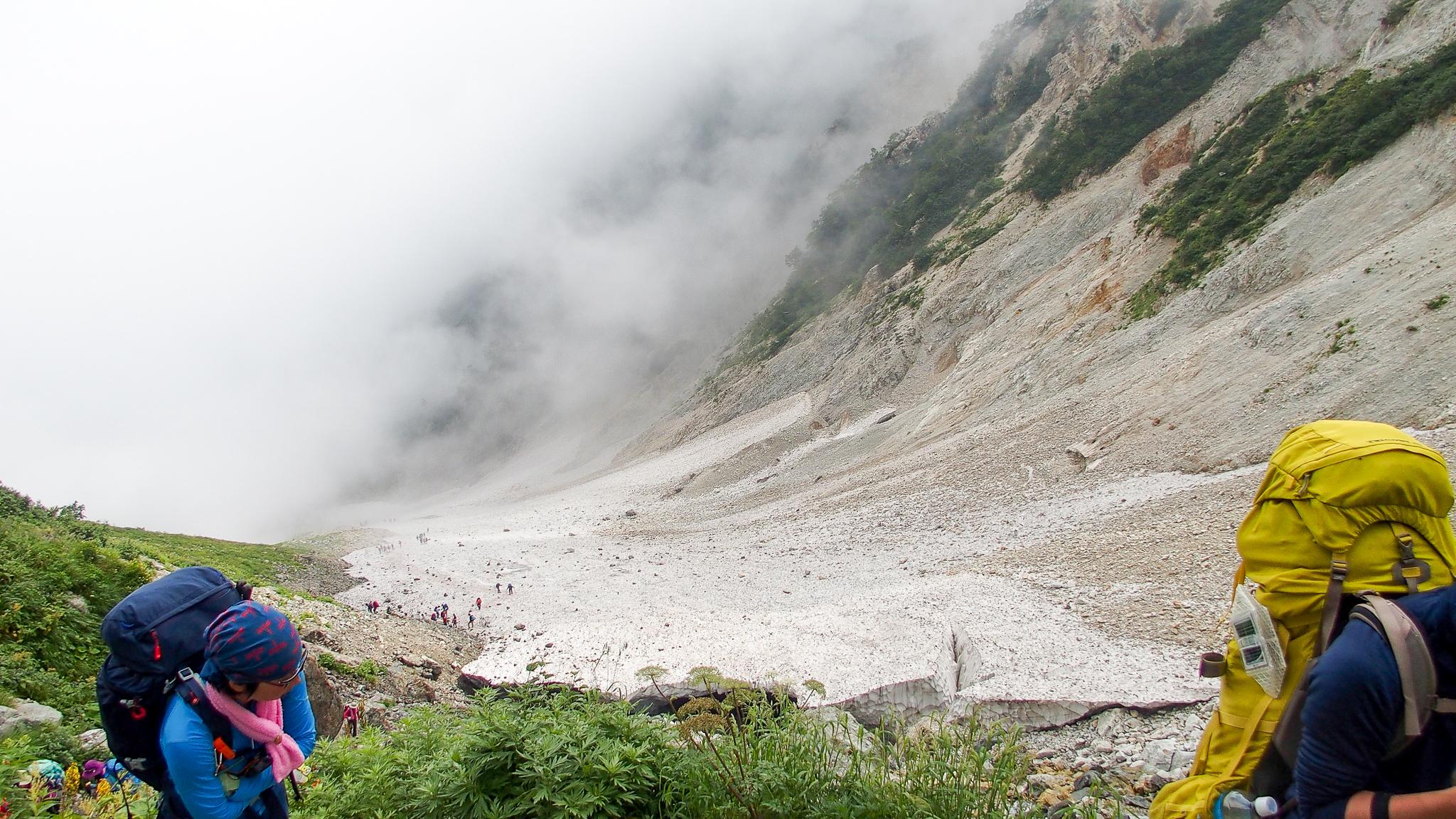 白馬岳・白馬大雪渓、ガスってました。。