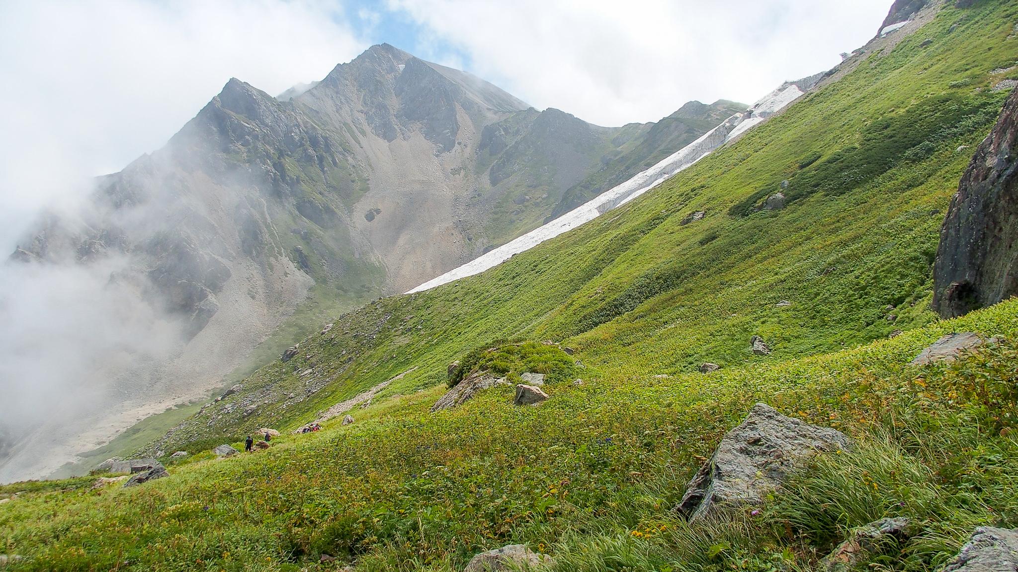 白馬岳・大雪渓付近からの杓子岳