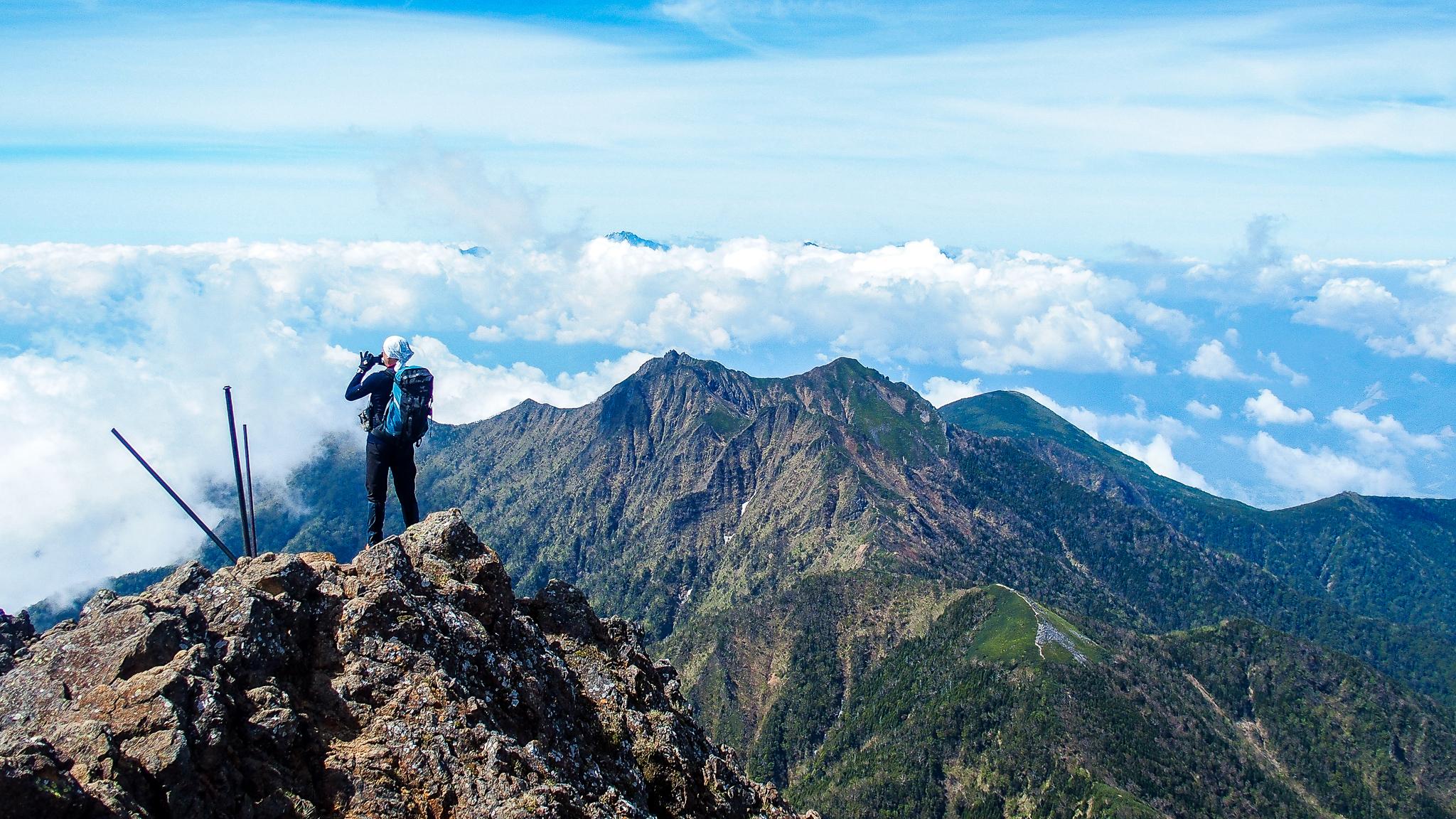 八ヶ岳(赤岳・横岳・硫黄岳)・赤岳山頂の景色