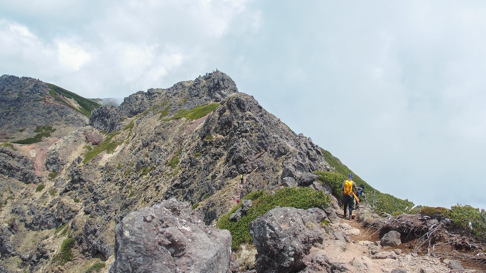 八ヶ岳(赤岳・横岳・硫黄岳)・横岳、岩場のアップダウン