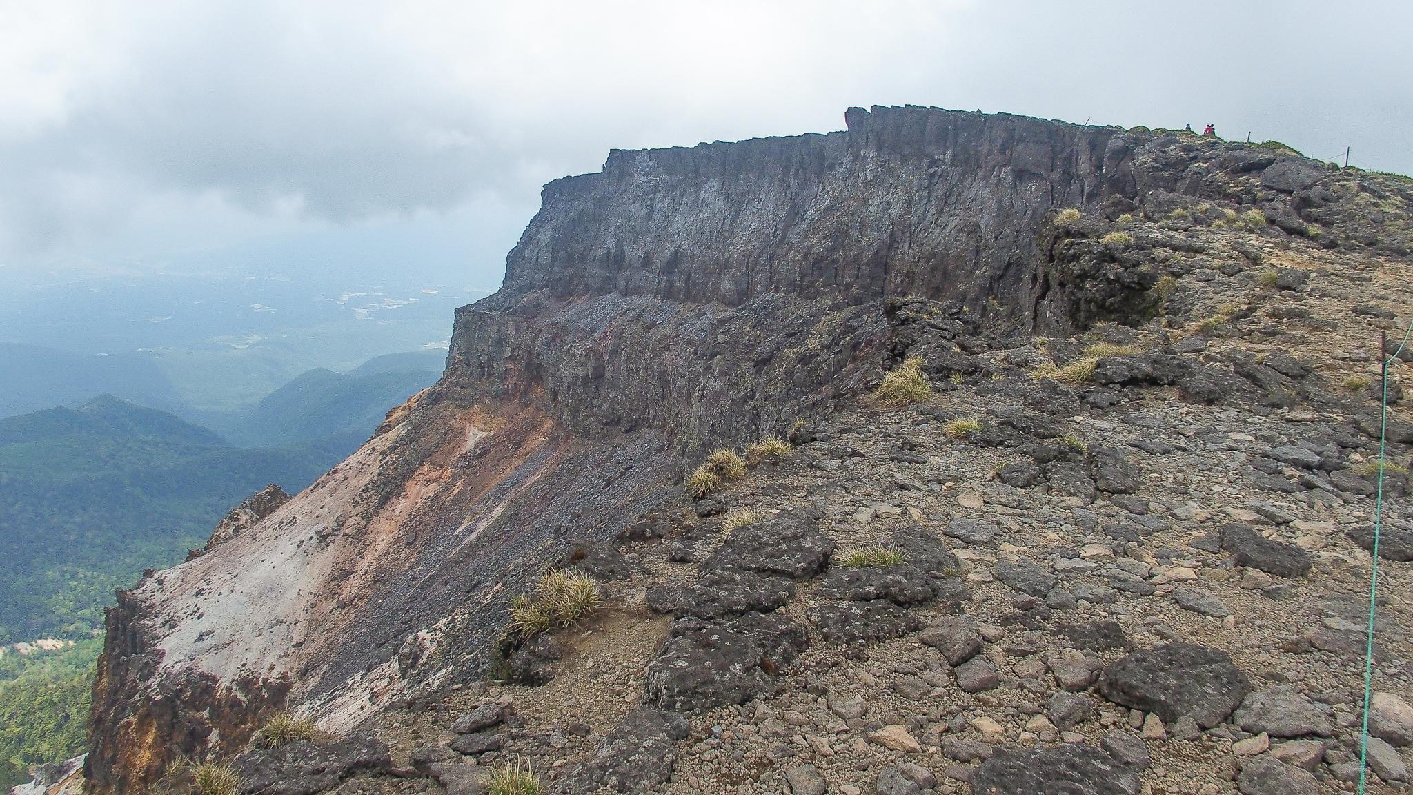 八ヶ岳(赤岳・横岳・硫黄岳)・硫黄岳の火口