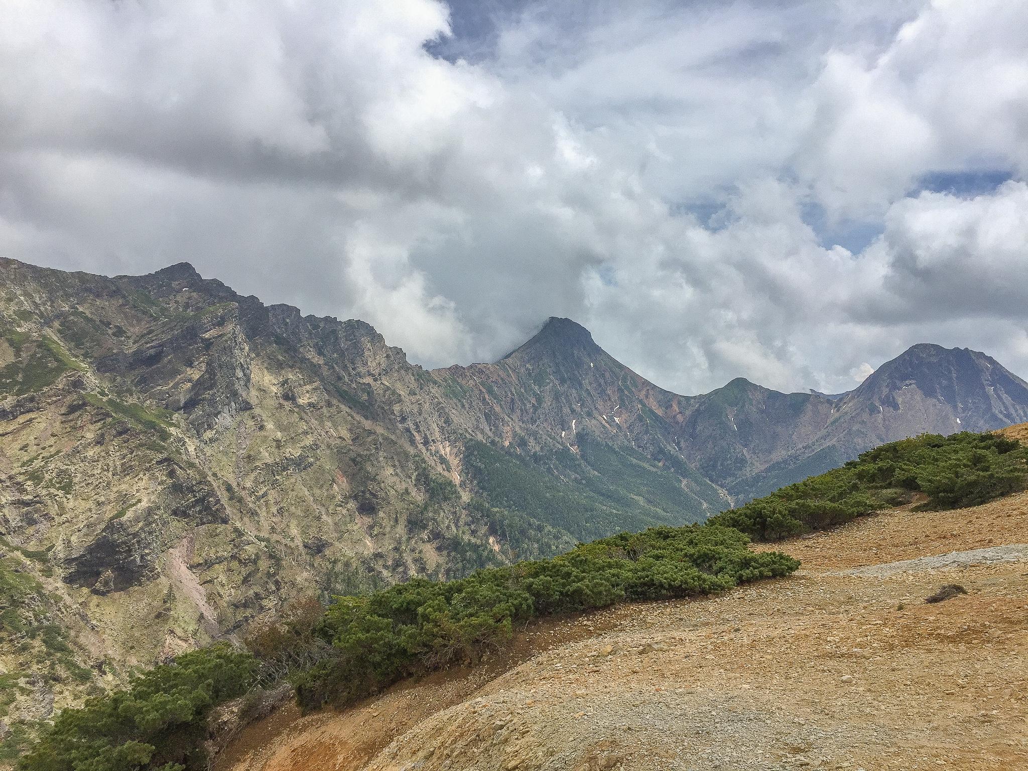 八ヶ岳(赤岳・横岳・硫黄岳)・赤岩の頭からの赤岳、中岳、阿弥陀岳