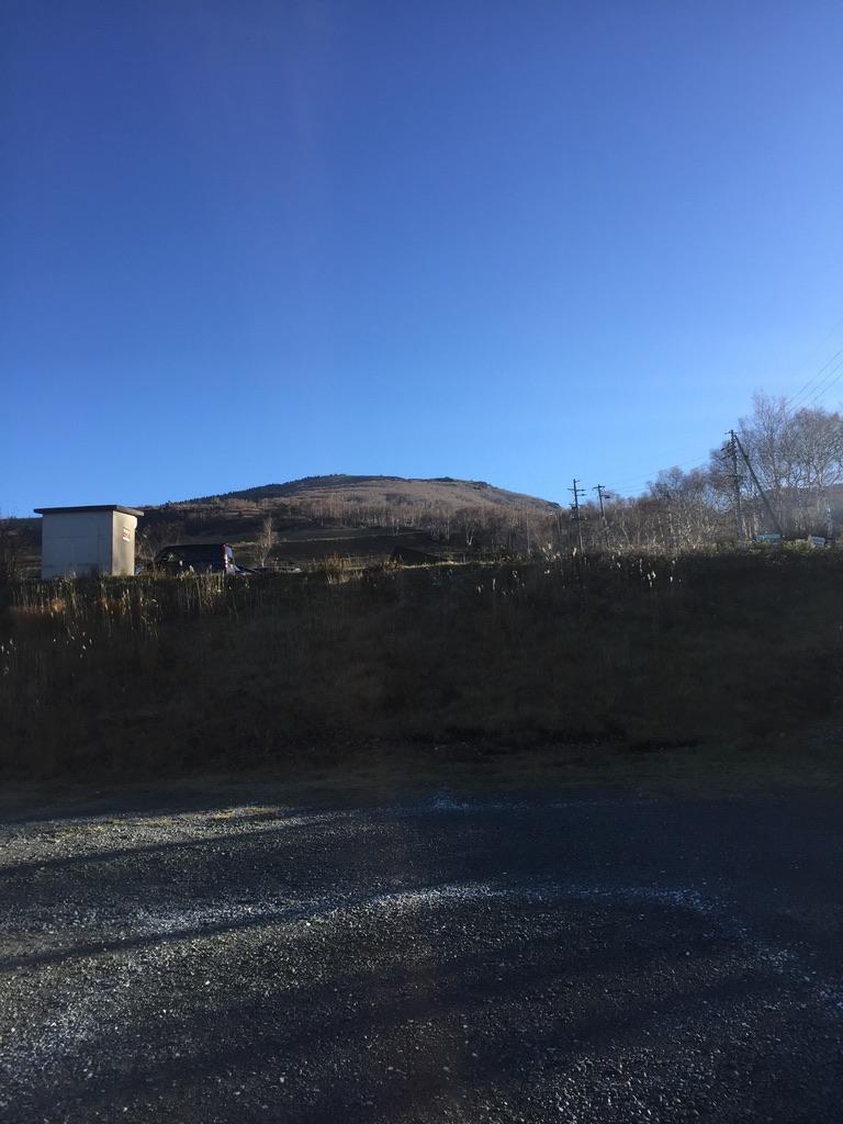 四阿山・菅平牧場駐車場から見る根子岳