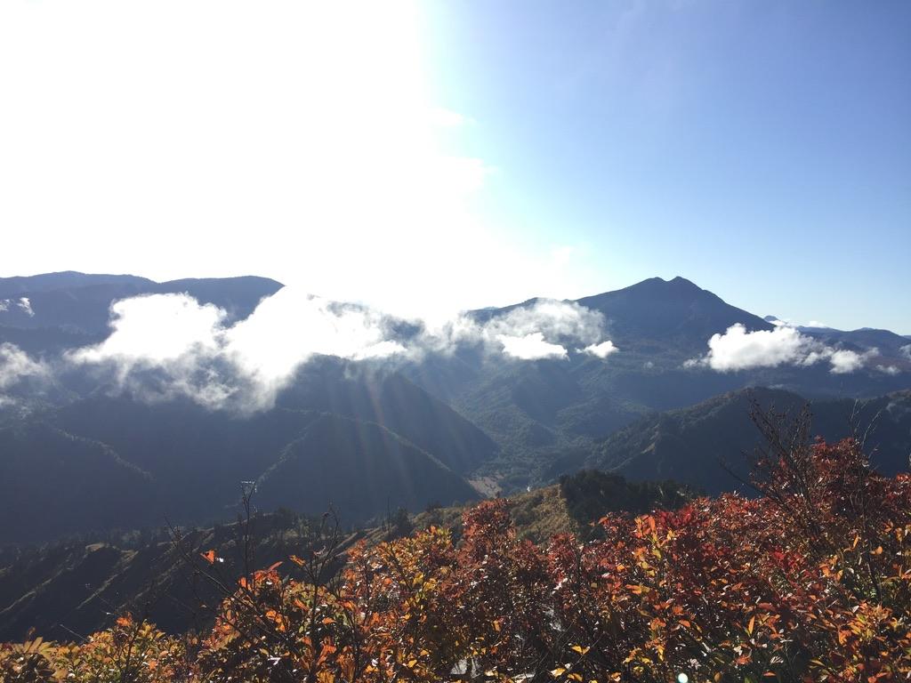 平ヶ岳・平ヶ岳から見える燧ケ岳