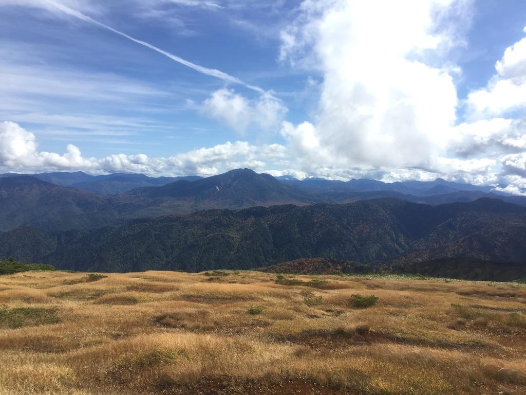 平ヶ岳・平ヶ岳山頂から見る尾瀬の山々