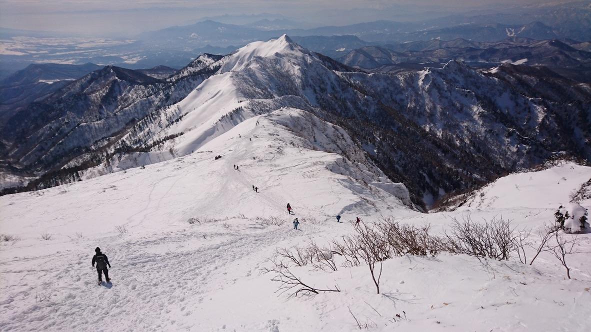 武尊山・武尊山から剣ヶ峰山を眺める