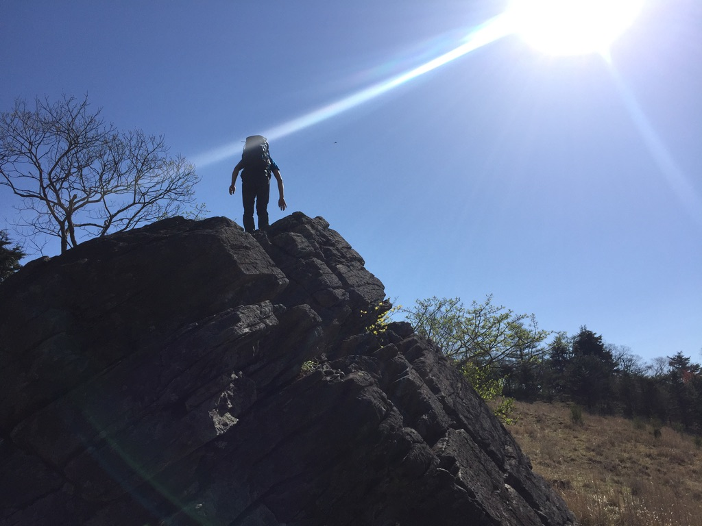 乾徳山・月見岩と相方・恥ずかしかったらしい