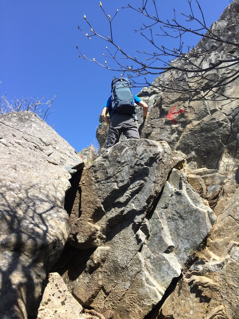乾徳山・岩場登り
