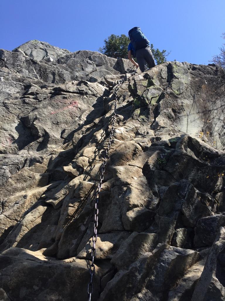 乾徳山・カミナリ岩2