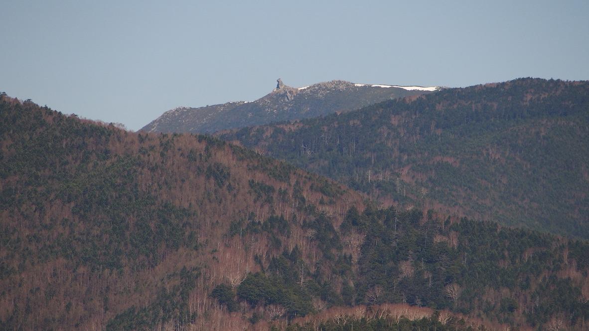 乾徳山・乾徳山からの金峰山・五丈岩