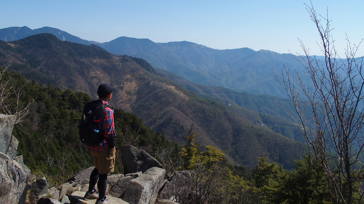 乾徳山・乾徳山山頂からの眺め