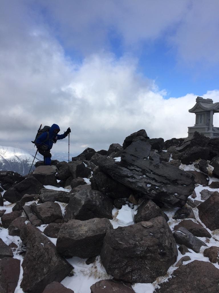 那須岳・茶臼岳、山頂まであと少し!