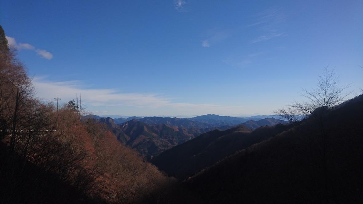 両神山・八丁トンネル登山口からみた山々