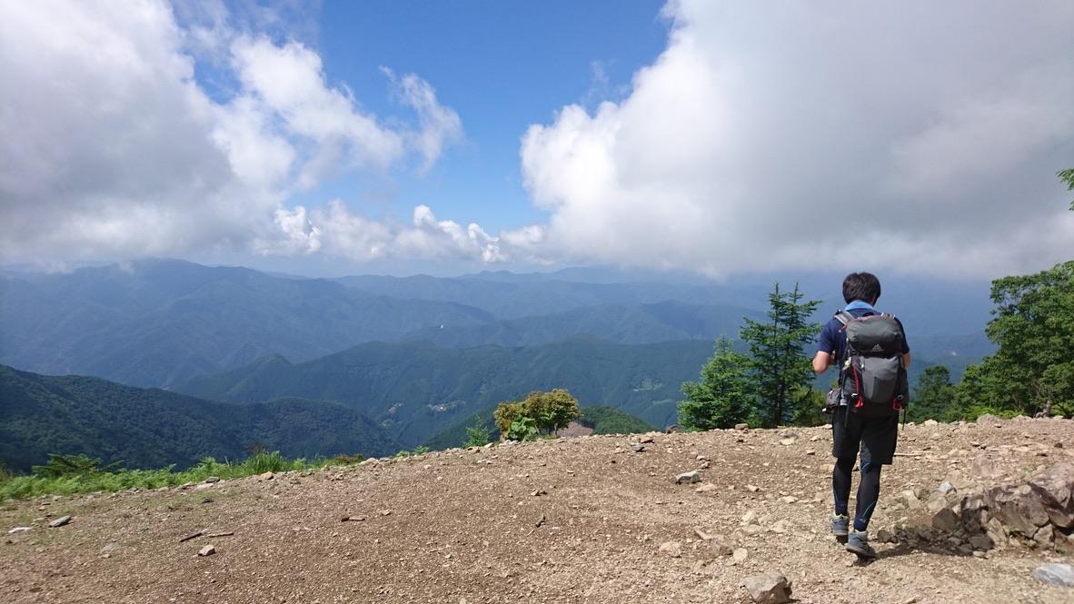 鷹ノ巣山・鷹ノ巣山頂上からの景色
