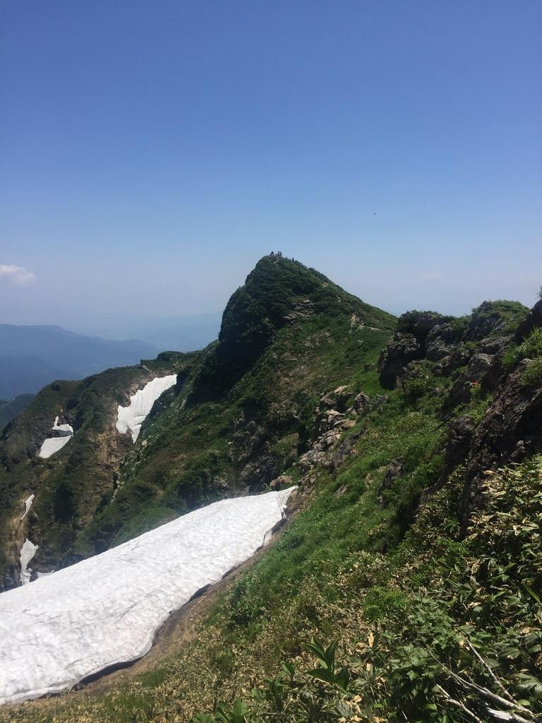 谷川岳・谷川岳山頂トマノ耳に戻ります