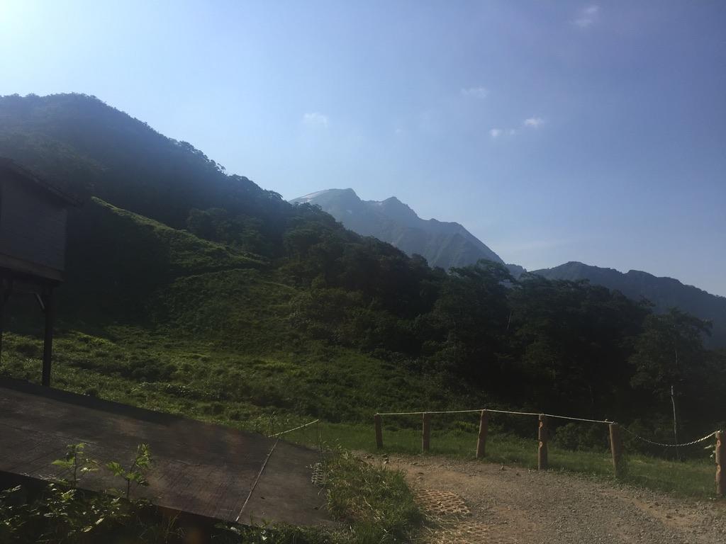 谷川岳・天神平から谷川岳・トマノ耳、オキノ耳を望む