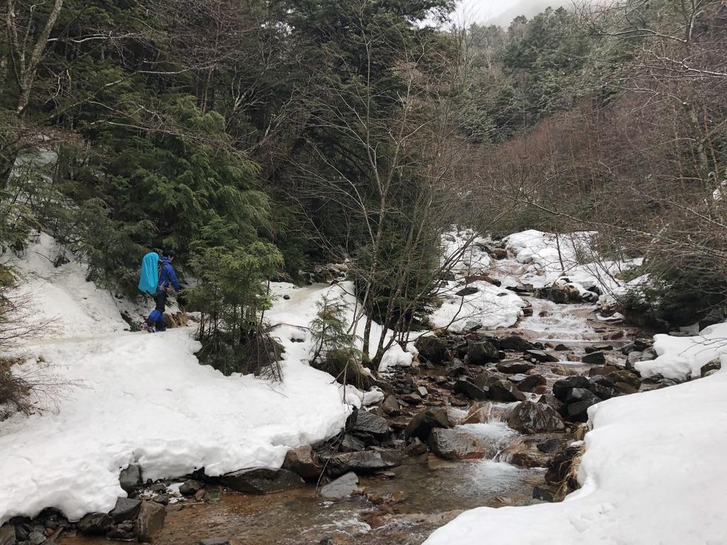 八ヶ岳・北沢・雪道を歩きます