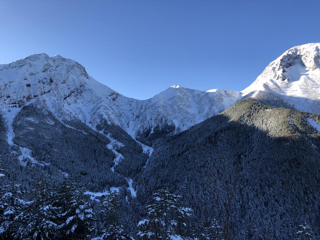 中山展望台からの展望・赤岳・中岳・阿弥陀岳