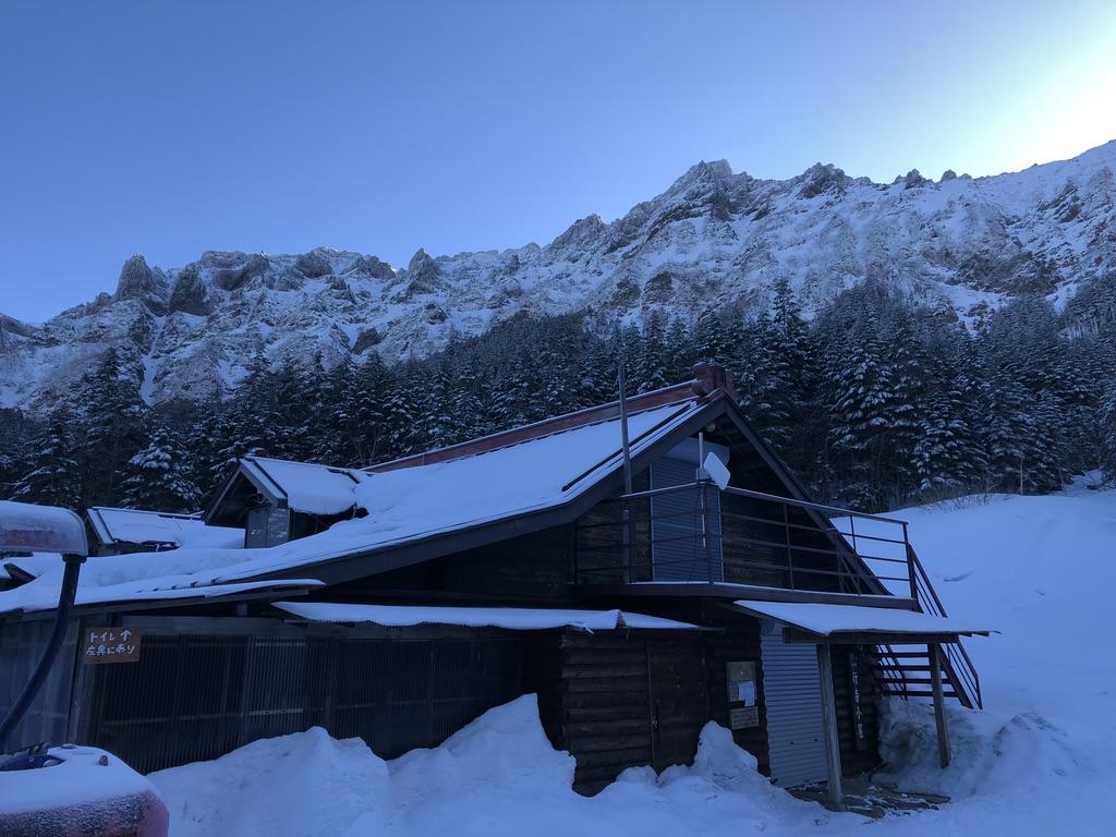 行者小屋からの横岳