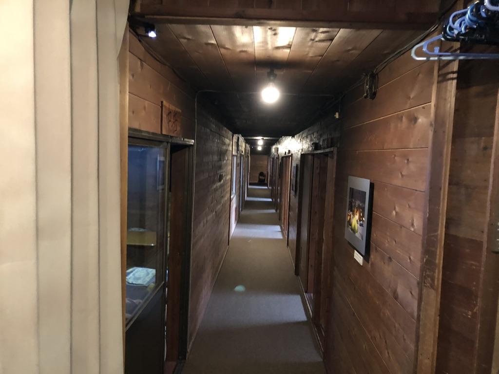 赤岳鉱泉・乾燥室の先にある部屋