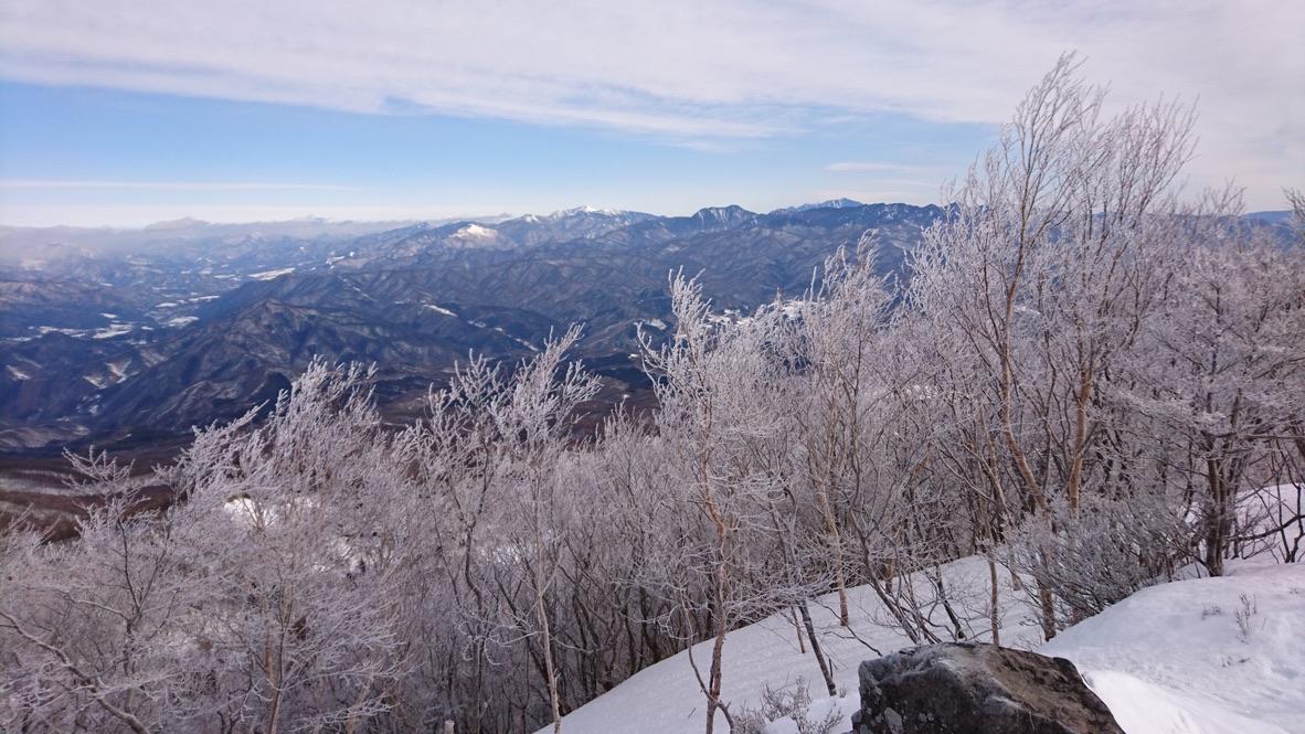 黒檜山の絶景スポットからの景色・引き続きお楽しみください