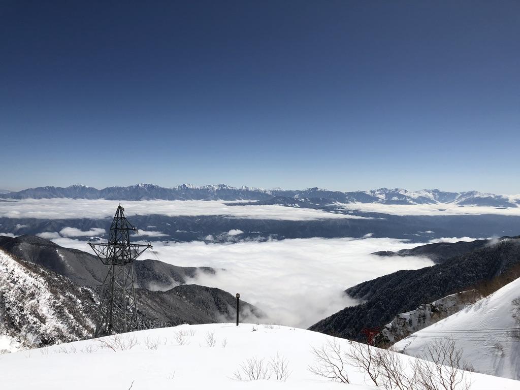 木曽駒ケ岳・千畳敷カールからの雲海と南アルプス