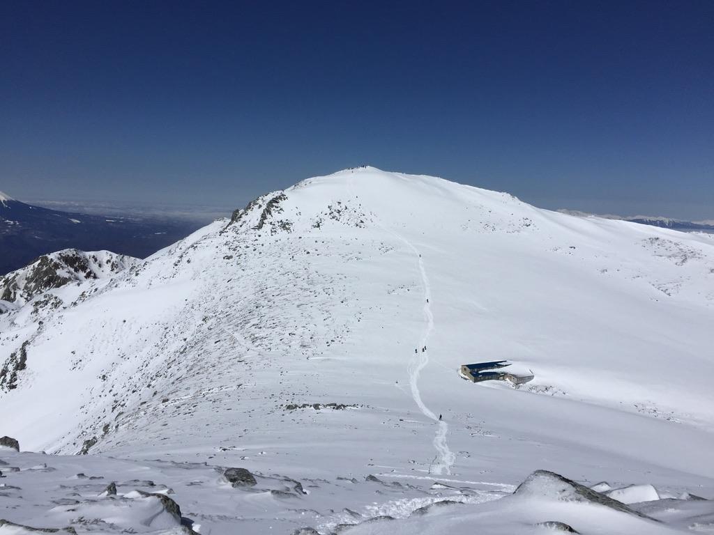 木曽駒ケ岳・駒ヶ岳頂上山荘と木曽駒ヶ岳をロックオン