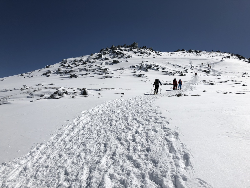 木曽駒ケ岳・やさしいわたし、中岳を登る