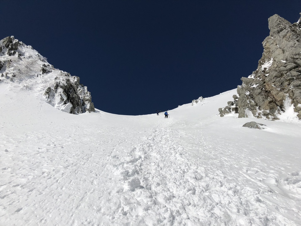 木曽駒ケ岳・千畳敷カール・八丁坂を下ります・急な下りなんですよ