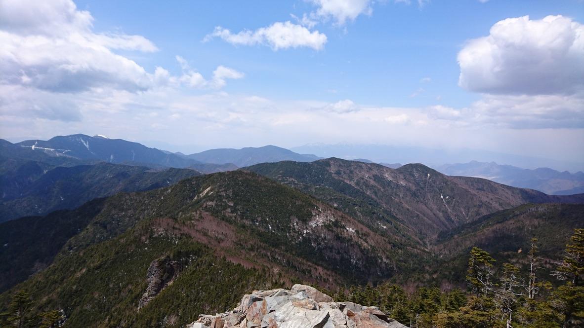 甲武信ヶ岳・甲武信ヶ岳山頂からの国師ヶ岳や金峰山