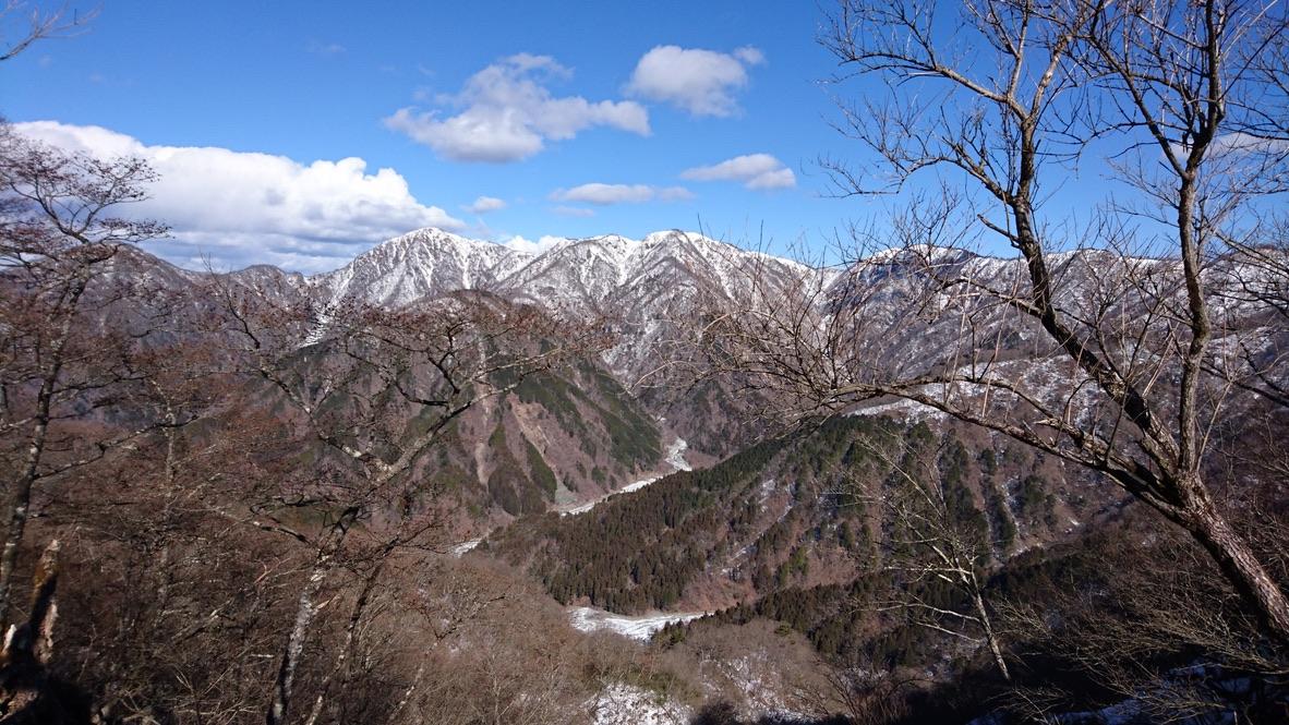 丹沢・鍋割山稜からの丹沢の山々