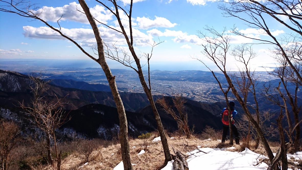 丹沢・鍋割山稜から見る相模湾