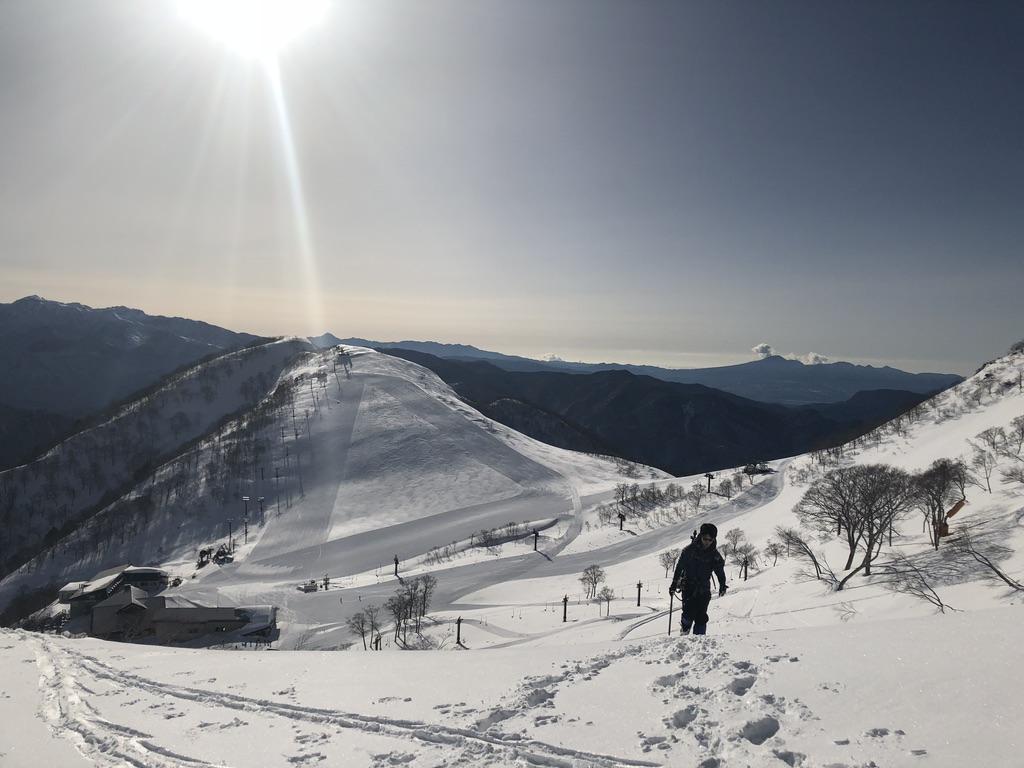 谷川岳・ゲレンデ横を登ります2