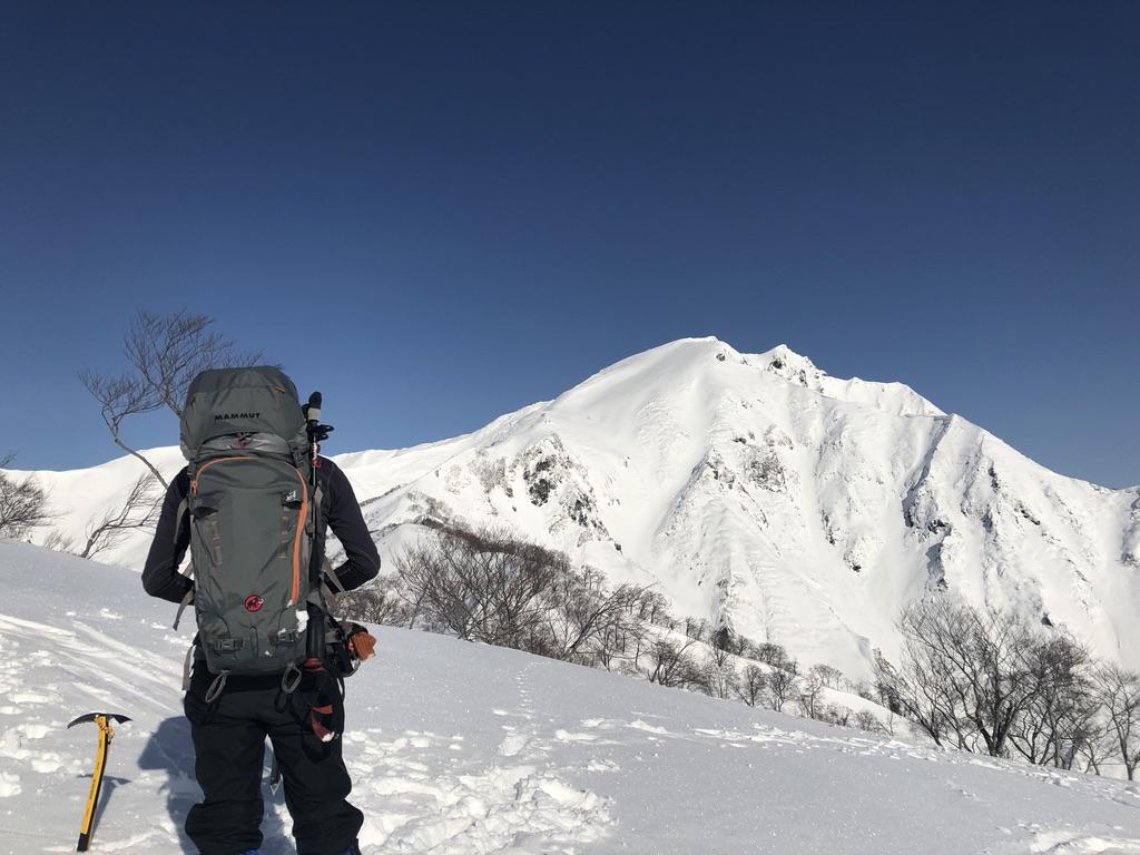 谷川岳・ゲレンデ横を登りきりました