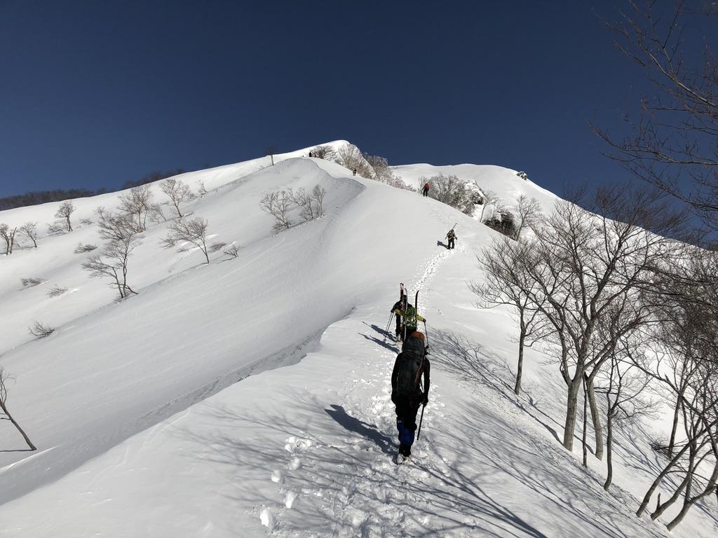 谷川岳・稜線登りは続きます