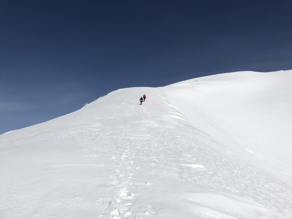 谷川岳・天神尾根・ひたすら白い斜面を登ります2