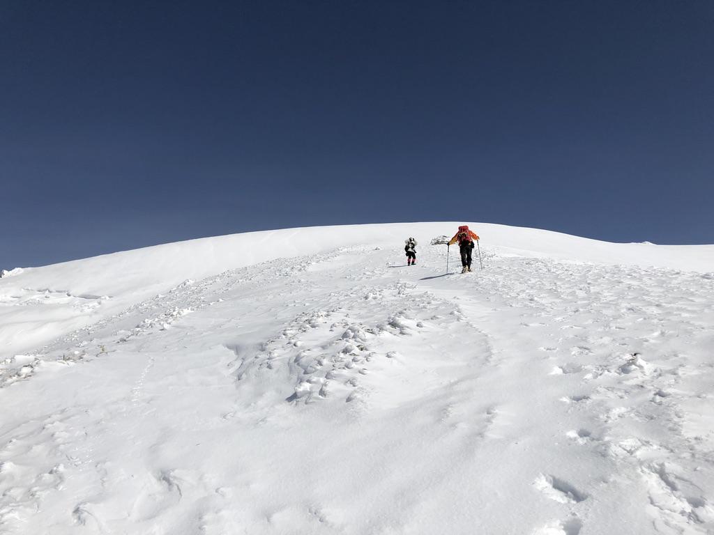 谷川岳・天神尾根・ひたすら白い斜面を登ります3
