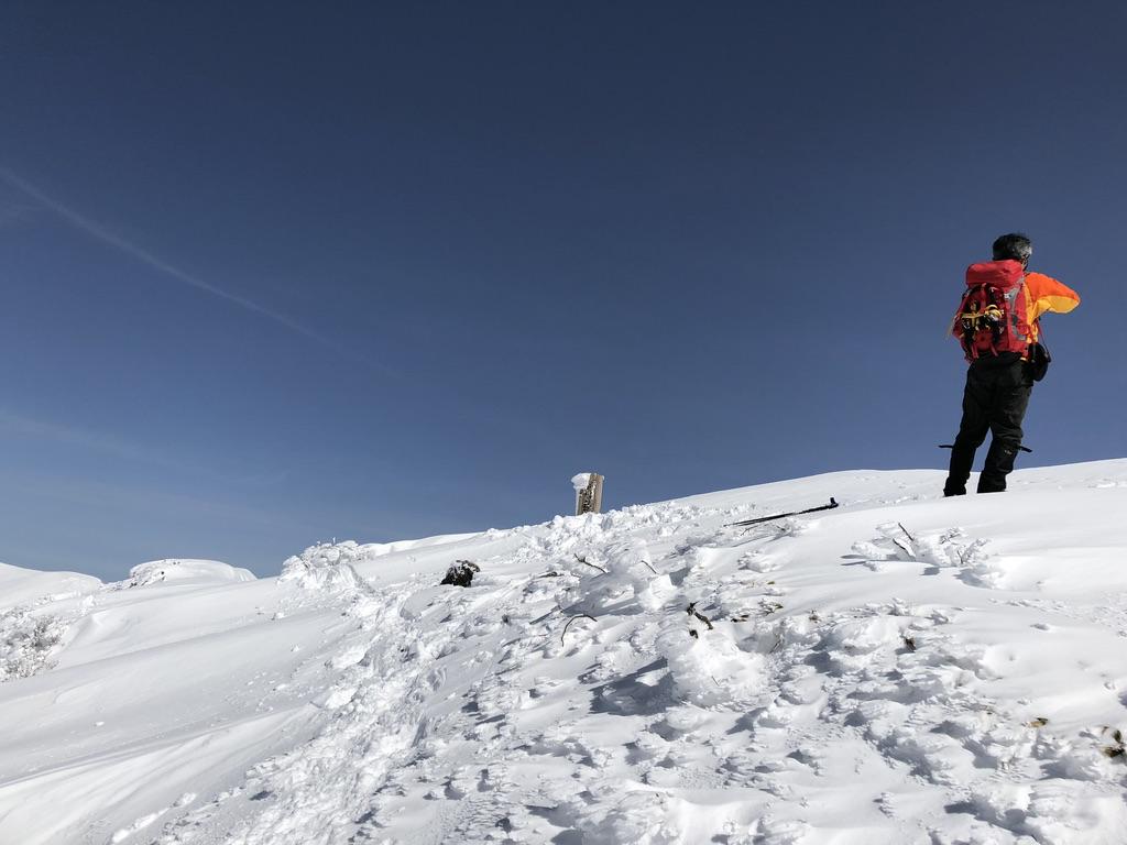 谷川岳・オキノ耳の山頂標識見納めです