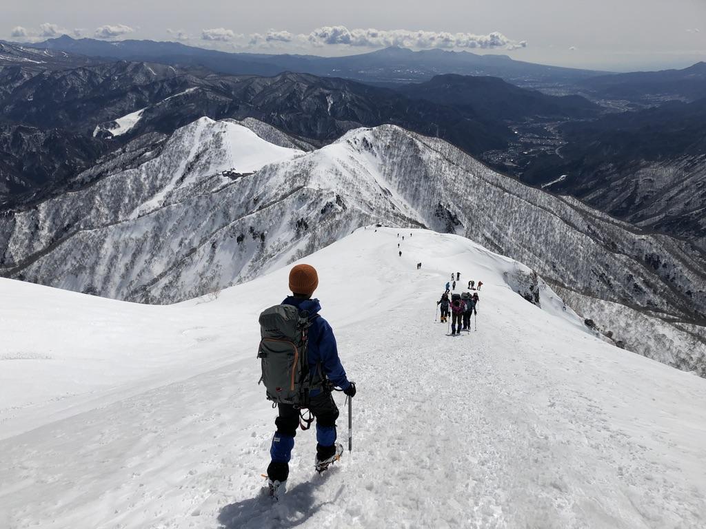 谷川岳・天神尾根・稜線沿いを下ります