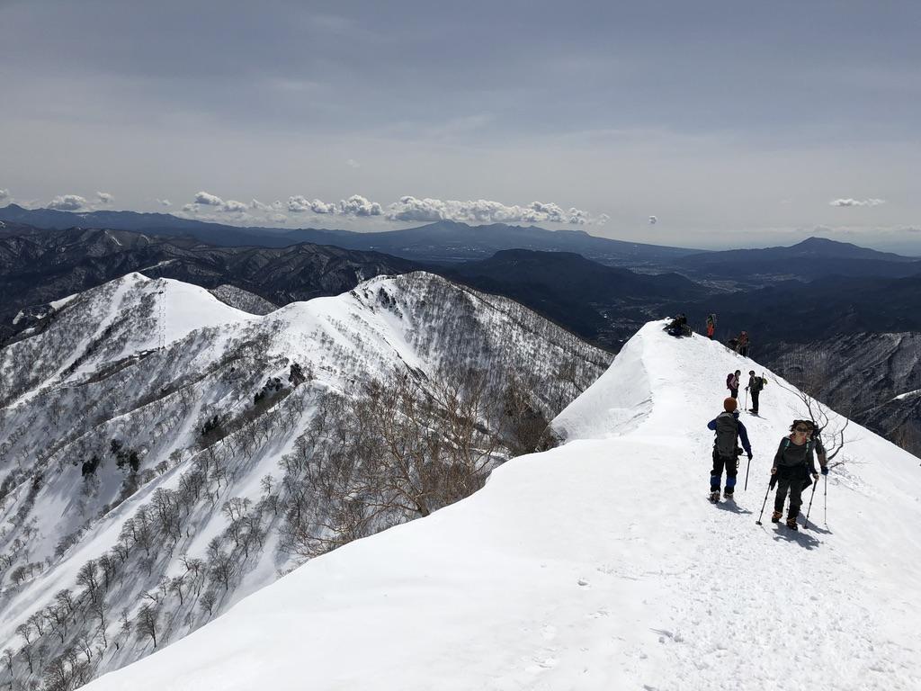 谷川岳・天神尾根・稜線沿いを下ります2