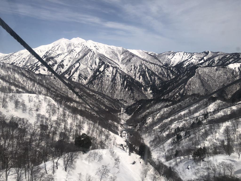 谷川岳ロープウェイ・あちらに見えるは武尊山?