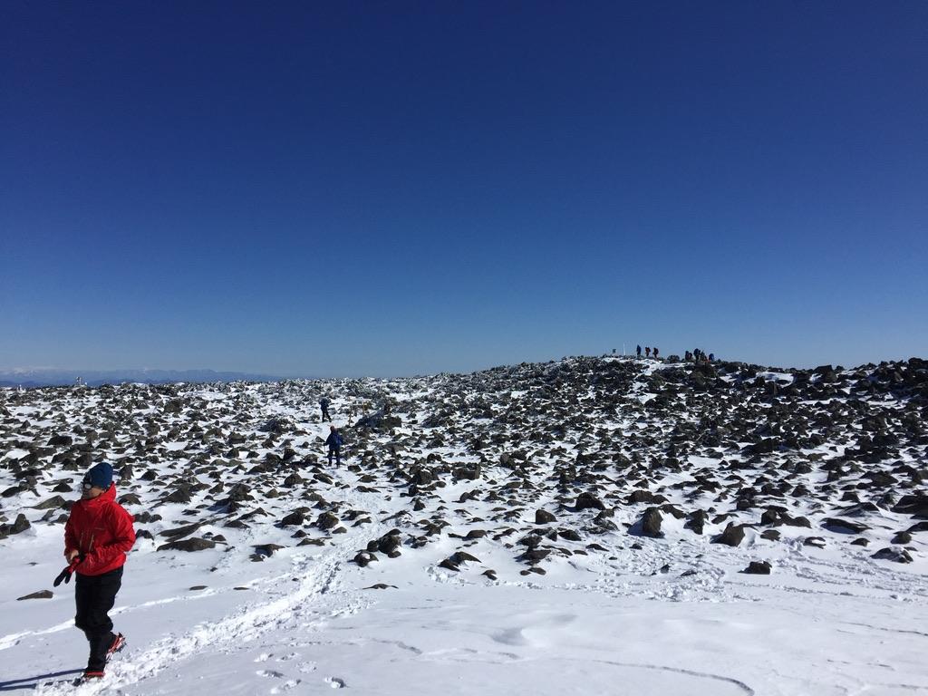 蓼科山・山頂は本当に広いです