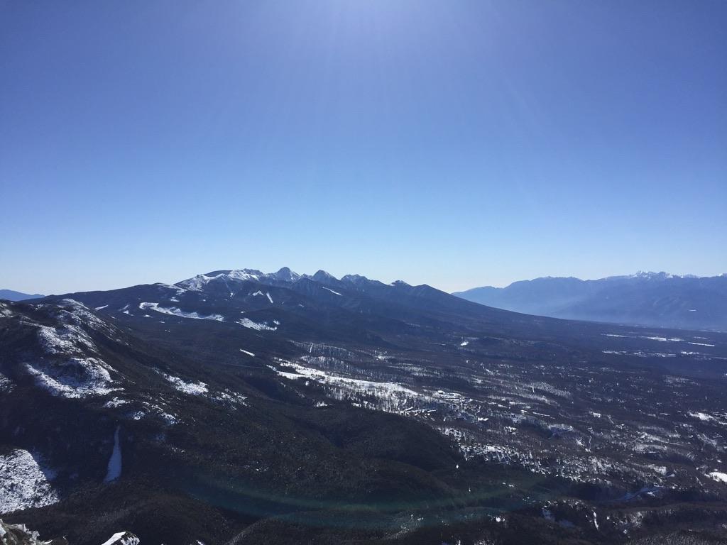 蓼科山頂ヒュッテ付近からの南八ヶ岳と南アルプス