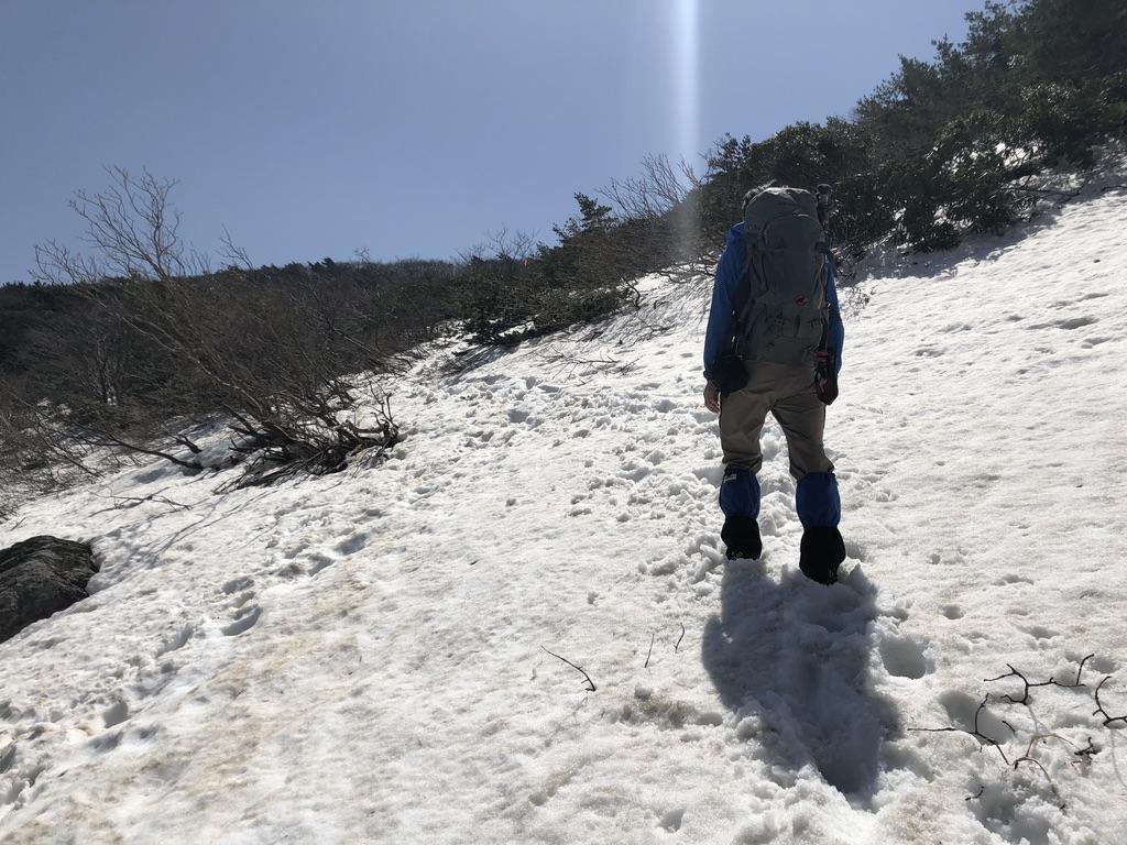 安達太良山・くろがね小屋から峰の辻へ・雪の斜面