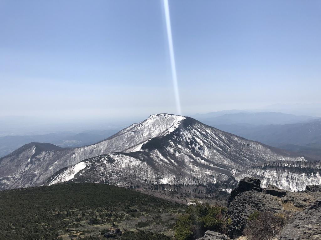 安達太良山・山頂からの和尚山