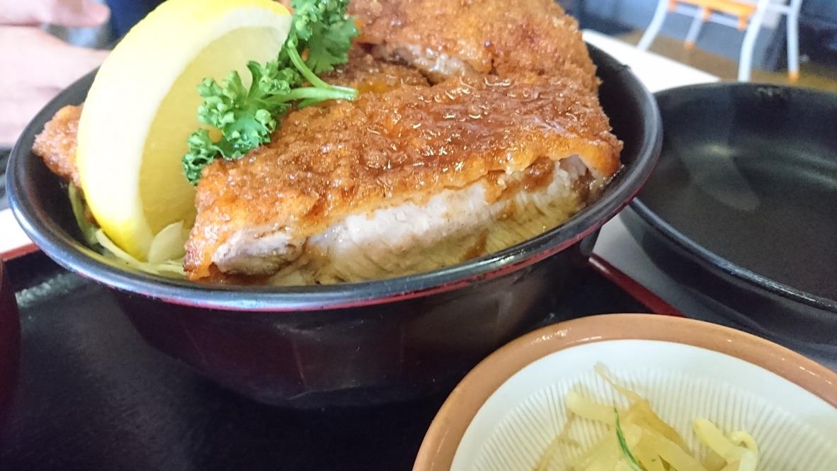 成駒食堂・ソースかつ丼