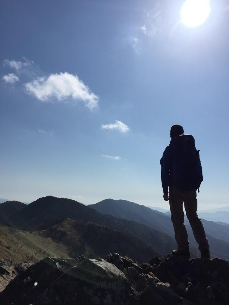 大菩薩峠を望む相方