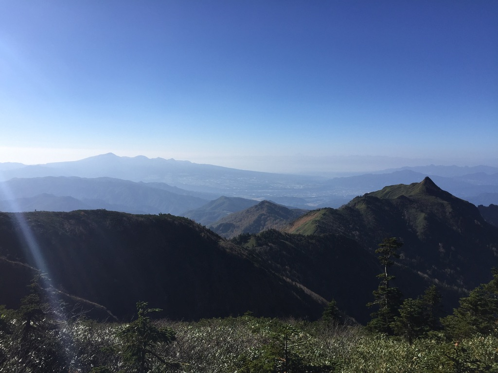 武尊山・剣ヶ峰の稜線