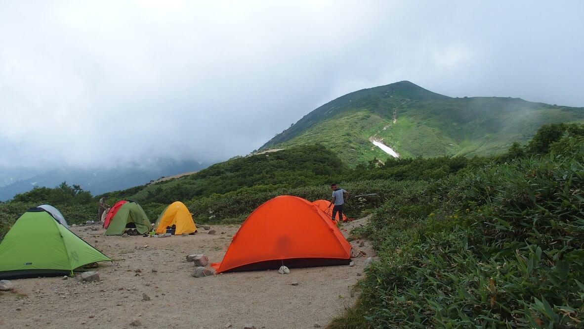 飯豊山・切合小屋のテント場